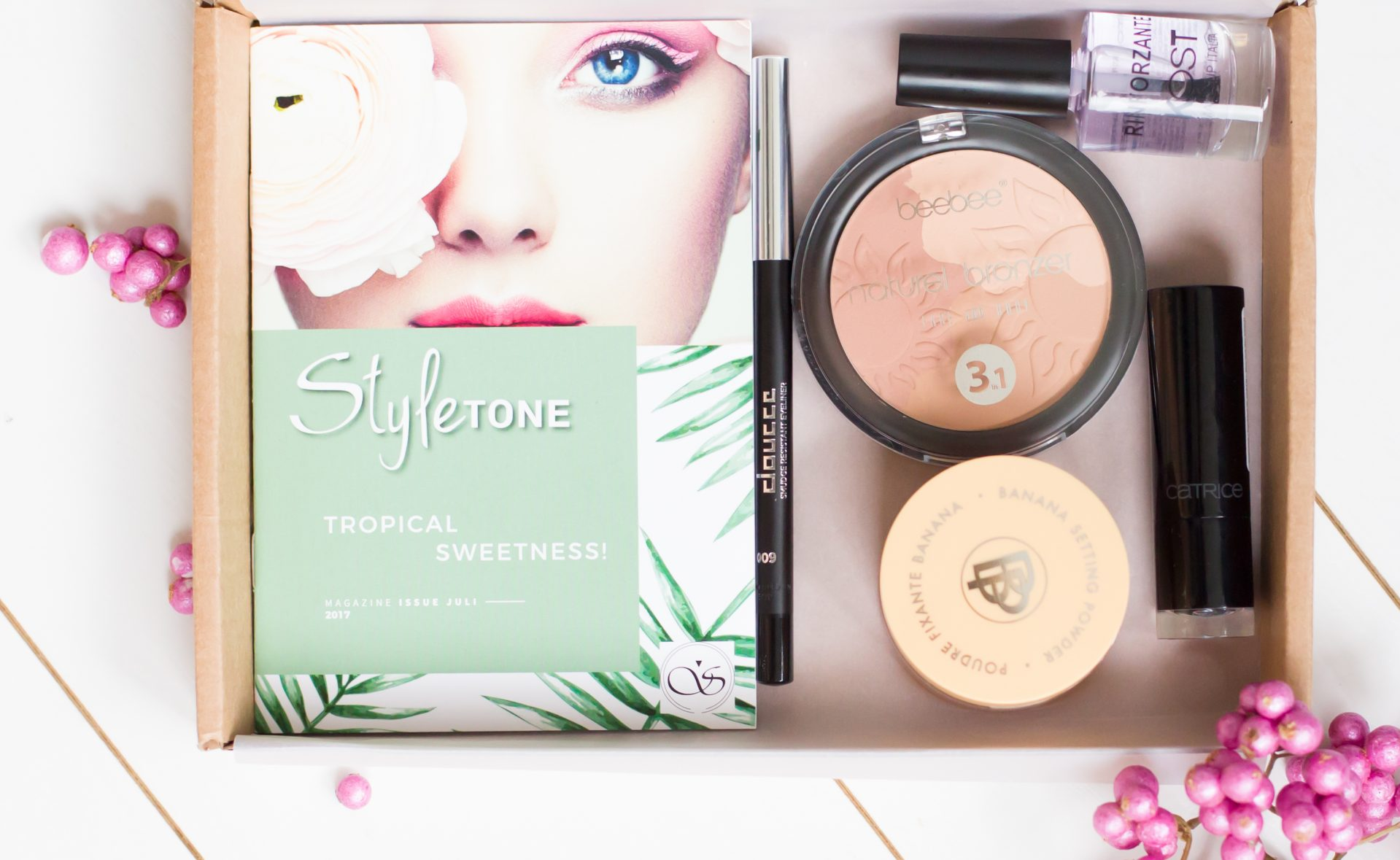 Alle producten in de box - StyleTone juli box