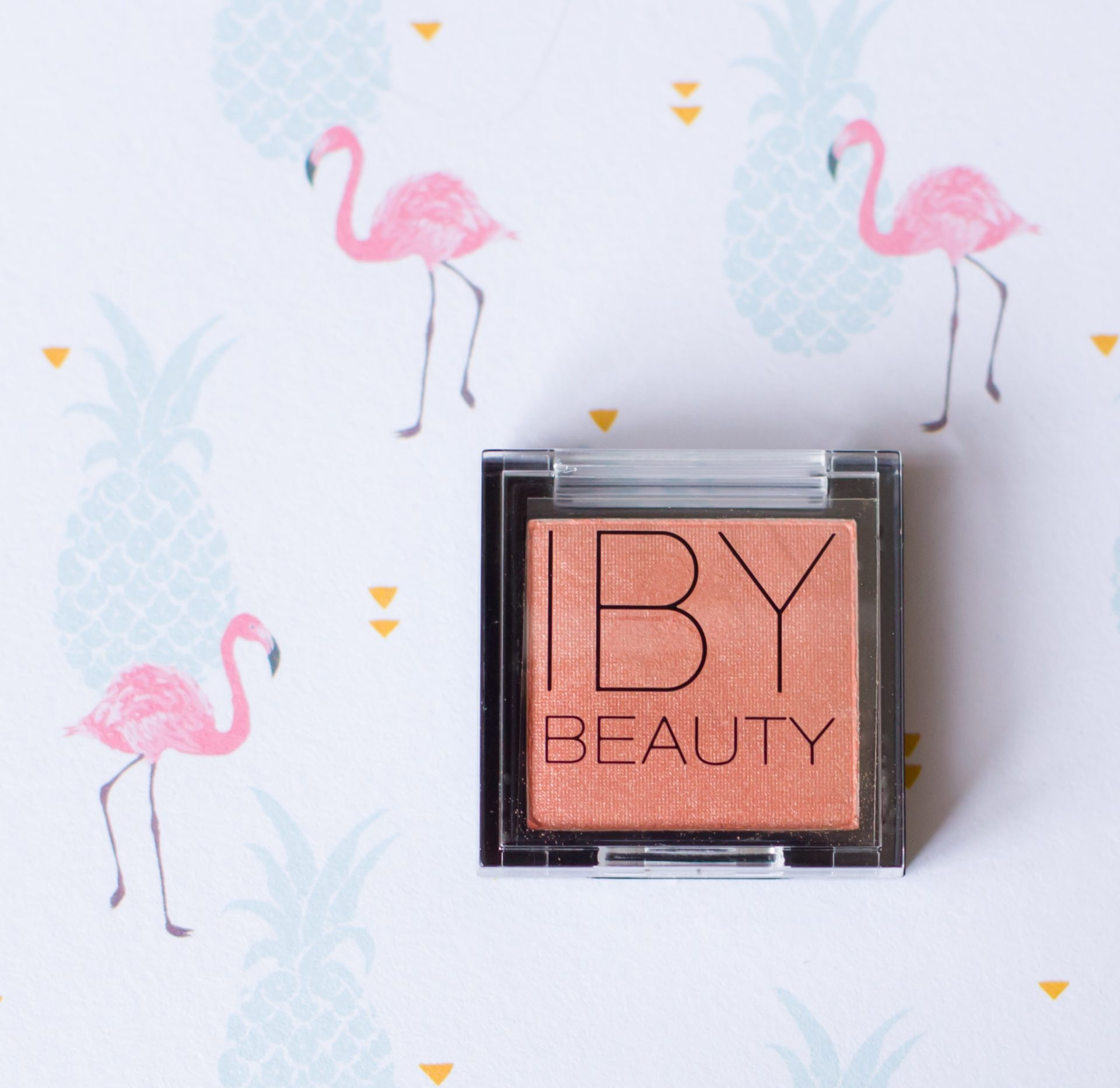 IBY Beauty highlighter - StyleTone box maart 2018
