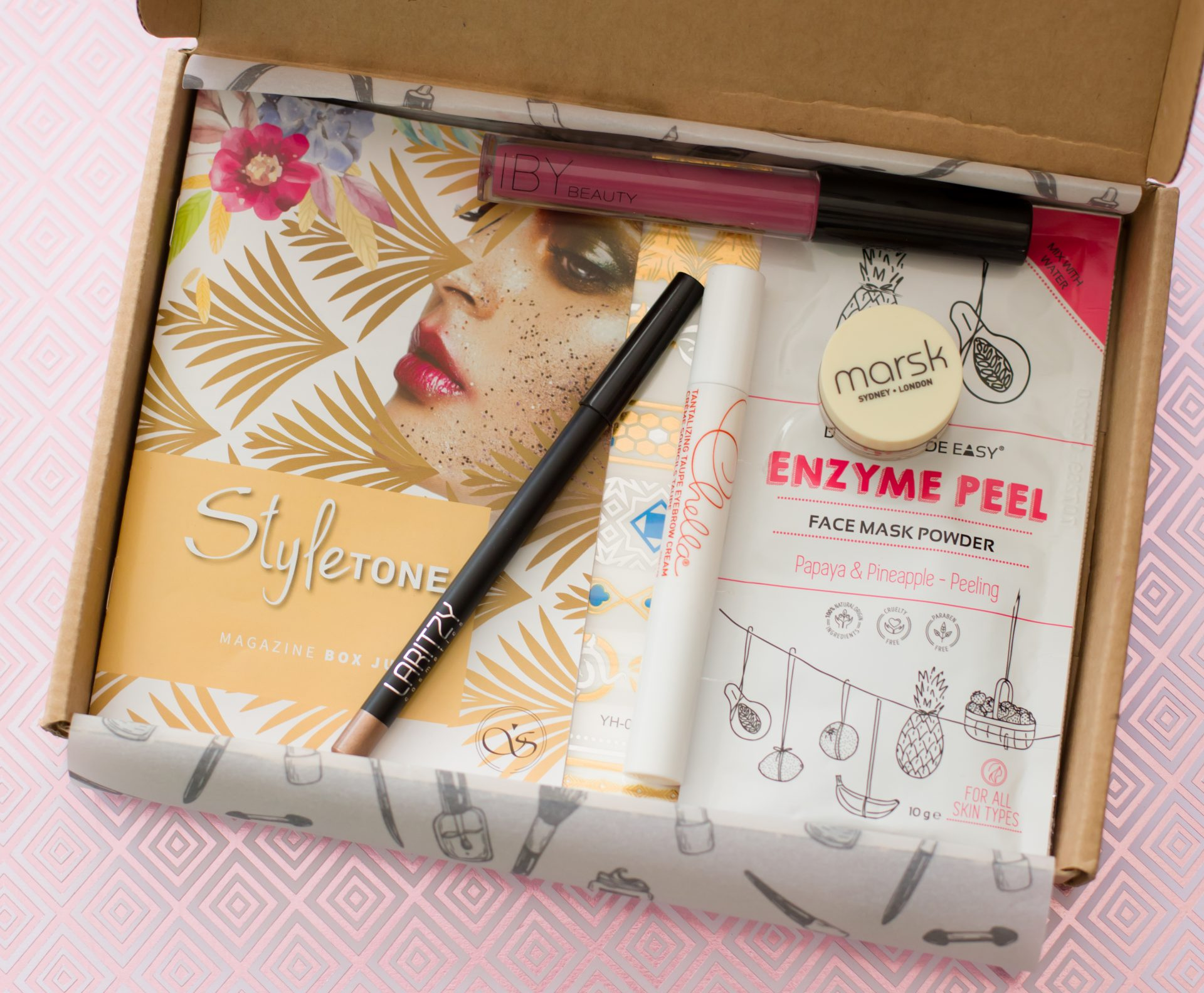 Alle producten in de box - StyleTone box juli 2018