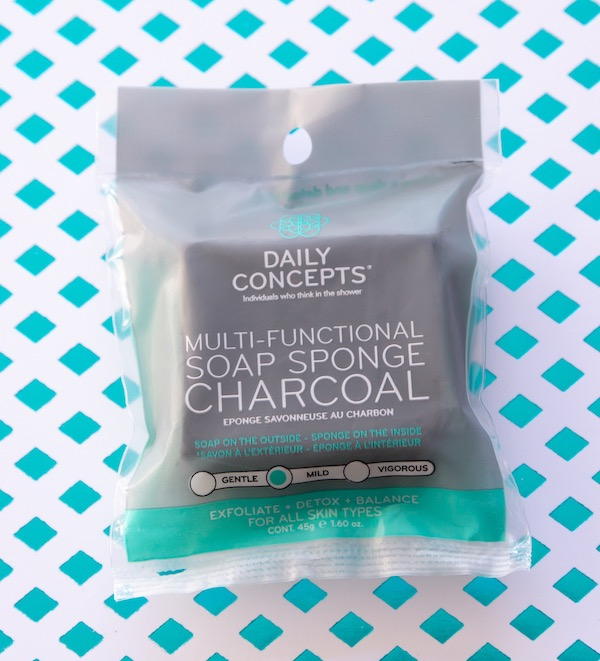 Daily Concepts Soap Sponge Charcoal - producten Goodiebox januari 2019