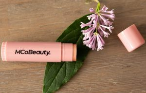 MCo Beauty Glow Highlighter Stick GB april 2021